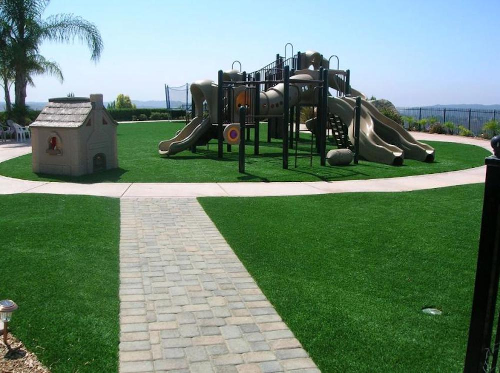 playground systems that are wheelchair accessible