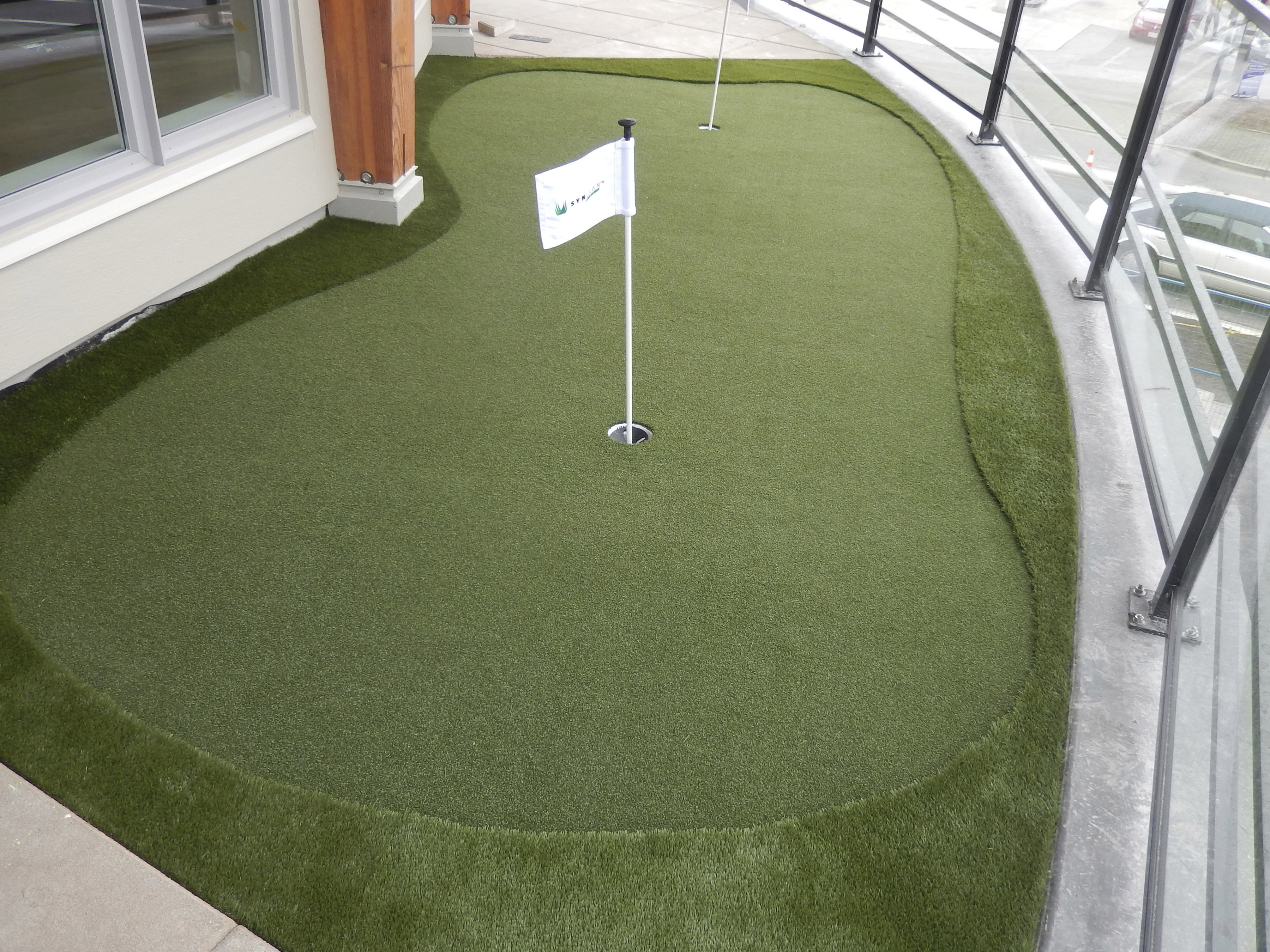 Small deck putting green with quality