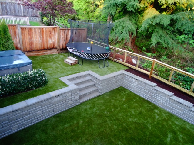 Port Moody magnificent backyard now with synthetic grass.