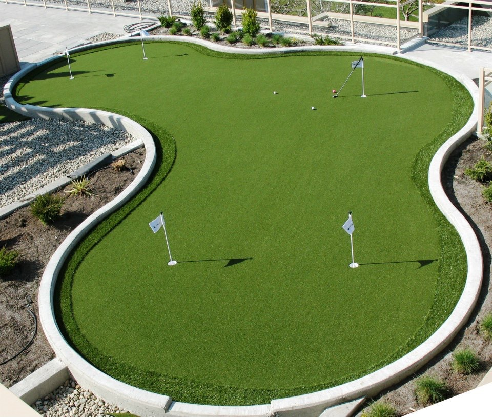 Large or small golf putting greens customized for your yard.